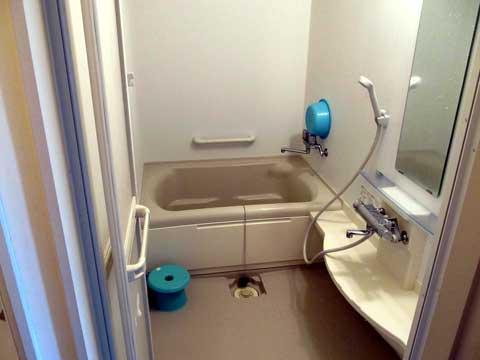 Usujiri-shower_room